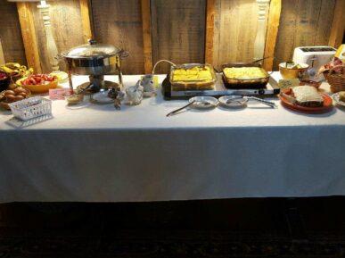 Zubers breakfast table