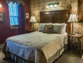#7 The Vintner bed and lamps