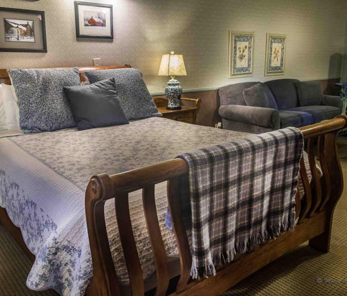 #4 The Glimpse of Amana with sleigh bed, sofa