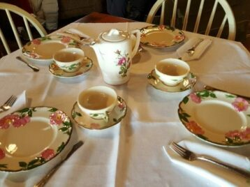 teaset with pink flowers