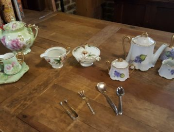 teasets and utensils